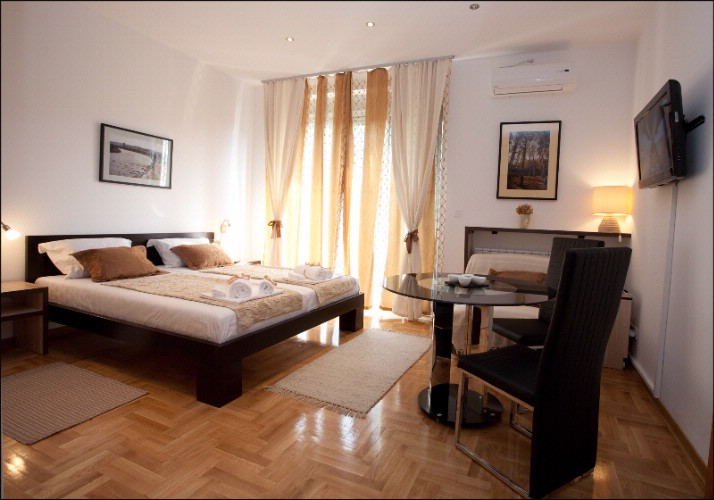 Apartment Lux 2 In Skenderbegova 3 Street In Very Center Of Belgrade ! 2 of 3