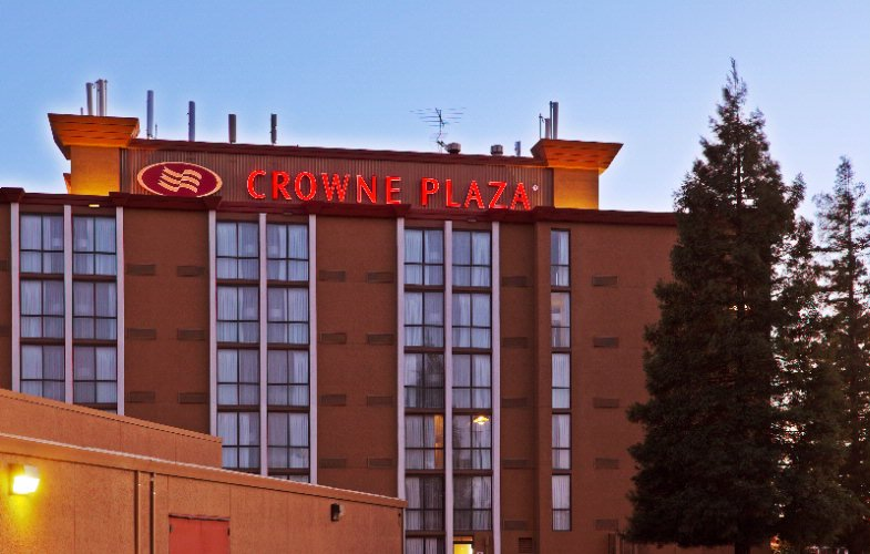Crowne Plaza Sacramento Northeast 1 of 4