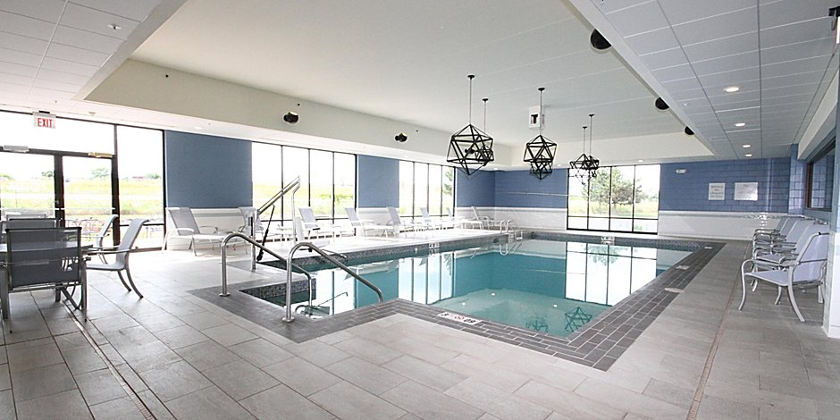 Indoor Pool 9 of 15
