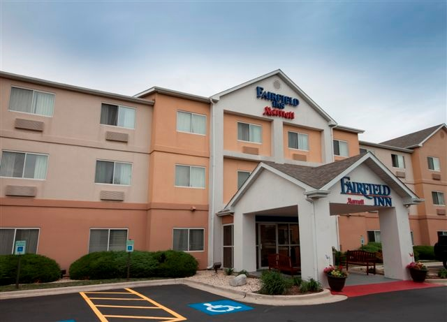 Fairfield Inn South 1 of 11