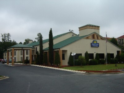 Days Inn & Suites 1 of 7