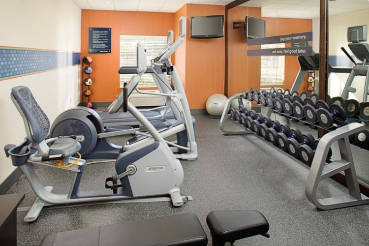 Fitness Room 6 of 12