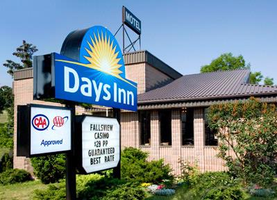 Days Inn Fallsview 1 of 4
