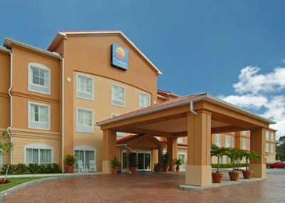 Comfort Inn & Suites Airport Fort Myers 1 of 10