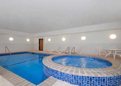 Heated Pool & Jacuzzi 9 of 11