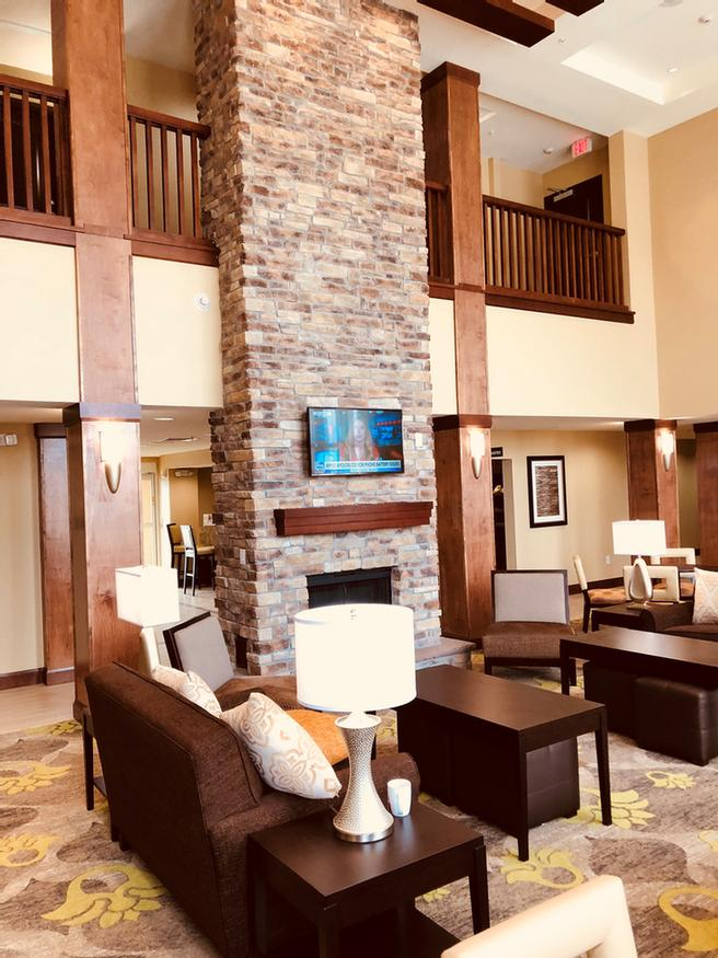 Lobby With Fireplace 15 of 18