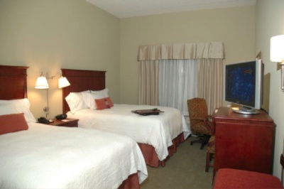 Our Guest Rooms Feature Flat Screen Tvs And Complimentary Internet Access Both Wired And Wireless 11 of 11