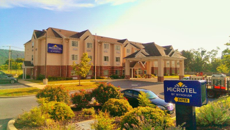 Best Western Plus Harrisburg Mechanicsburg 1 of 4