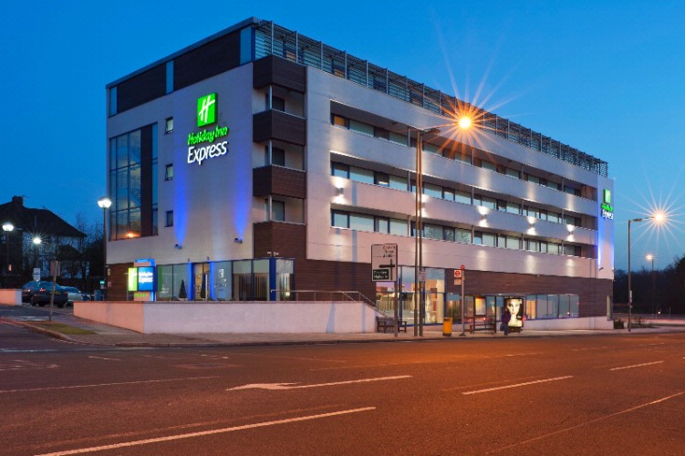 Holiday Inn Express London Golders Green 1 of 8