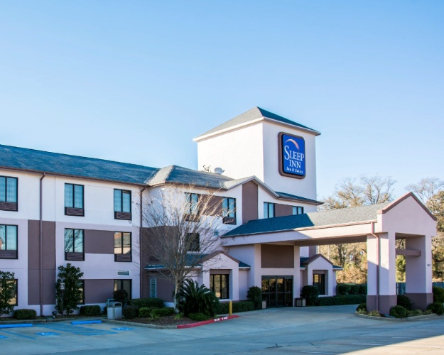 Sleep Inn & Suites Pineville 1 of 16