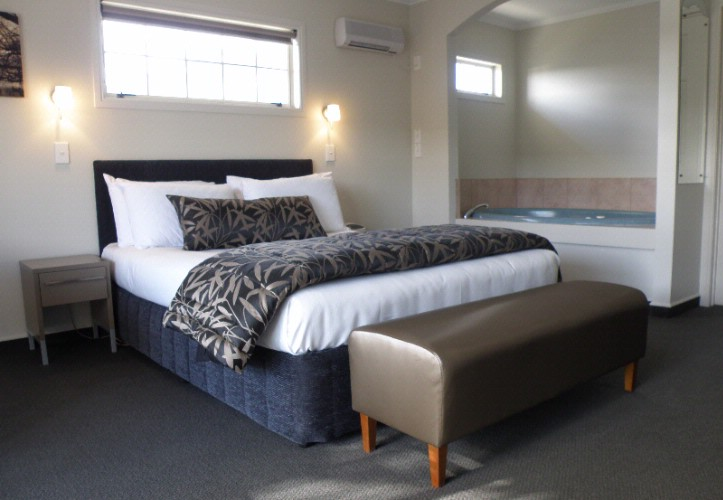Silver Fern Accommodation & Spa 1 of 15