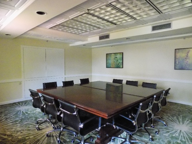 Boardroom Meeting Room 29 of 31