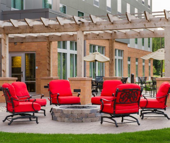 Outdoor Patio Near Alliant Energy Center 3 of 13