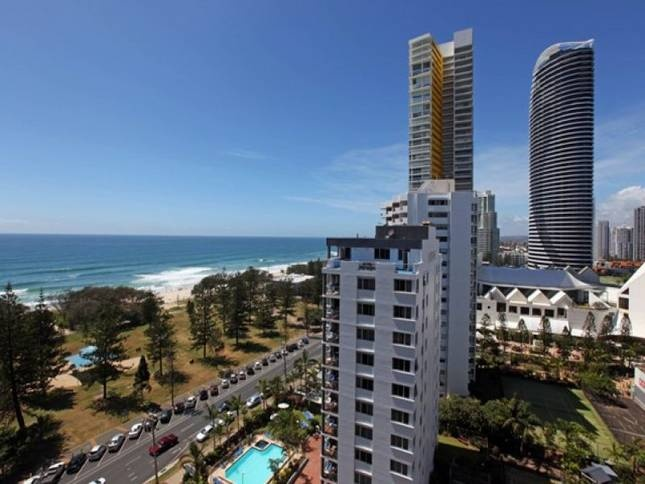 Sandpiper Apartments Broadbeach 1 of 4