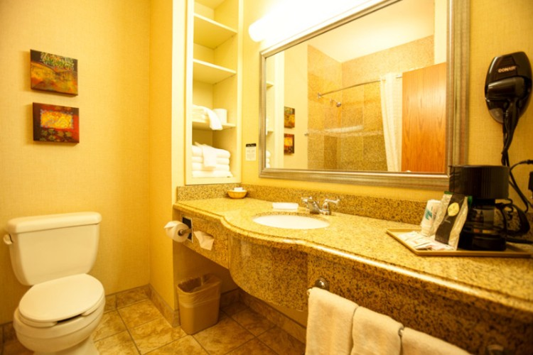 Bathroom 26 of 38