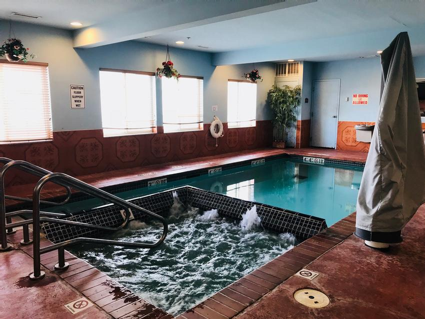 Indoor Heated Pool & Spa 6 of 10