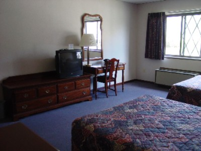 Econo Lodge 1 of 5