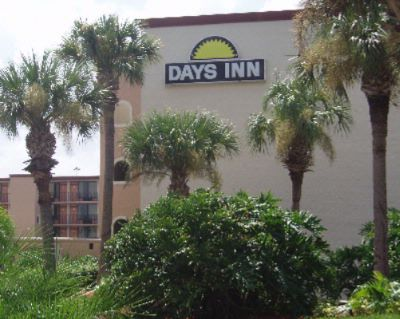 Days Inn Orlando Convention Center / International Drive 1 of 9