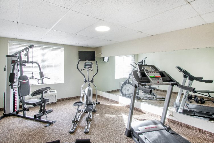 Fitness Room 13 of 30