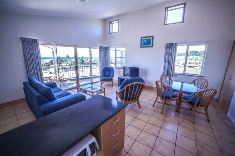 1 Br Seaview Spa Kitchen/ Lounge/ Dining 5 of 6