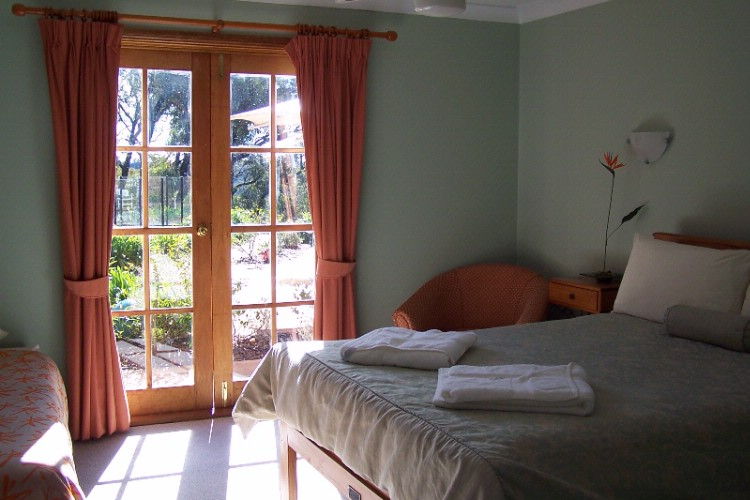 Cosy Homestyle Ensuited Rooms. 5 of 7