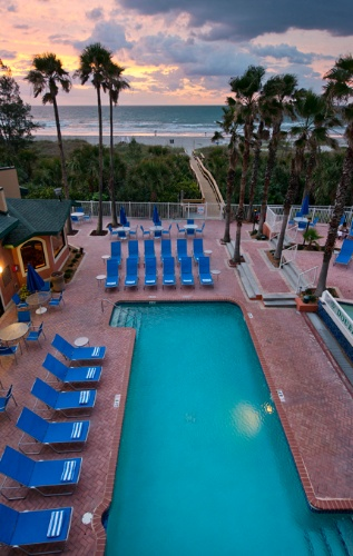 Doubletree Cocoa Beach Oceanfront 1 of 11
