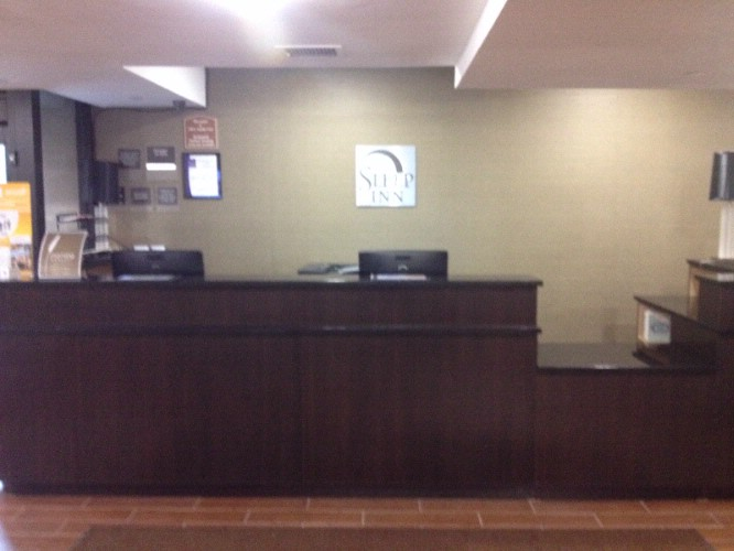 Front Desk 3 of 5