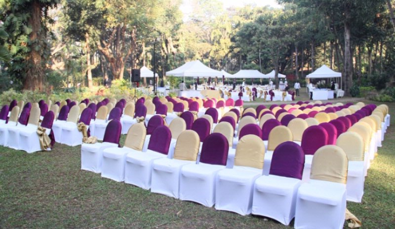 The Prince Of Wales Lawns For Your Special Day... 4 of 7