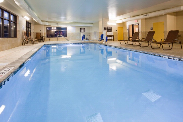 Large Indoor Heated Pool And Whirlpool 3 of 16