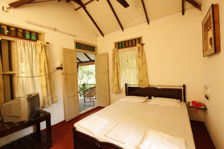 Bamboo Cottage Rooms 4 of 8
