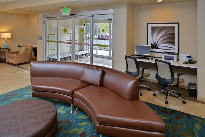 Candlewood Suites Eugene Springfield Guest Lobby 9 of 11