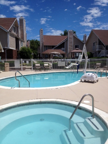 Outdoor Pool With Jacuzzi 7 of 21