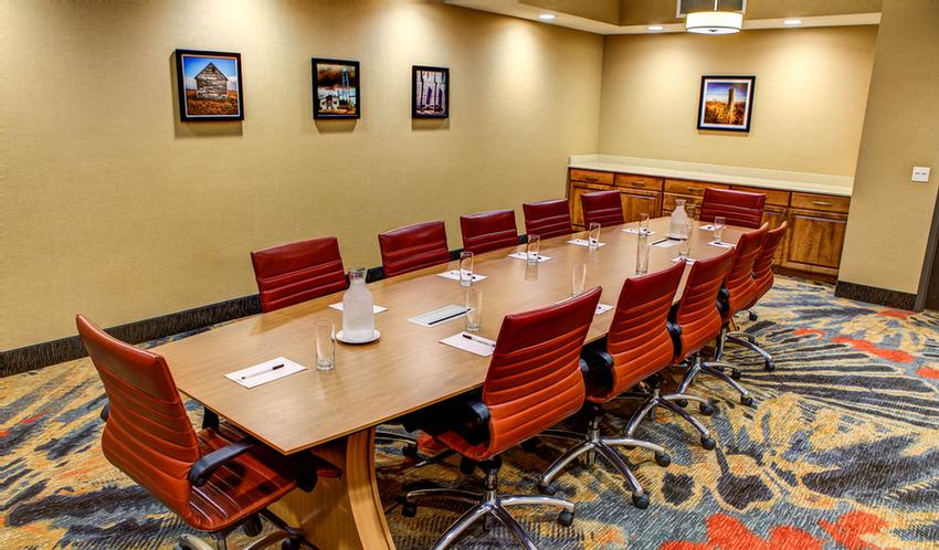 Board Room With Seating For Up To 12 16 of 23
