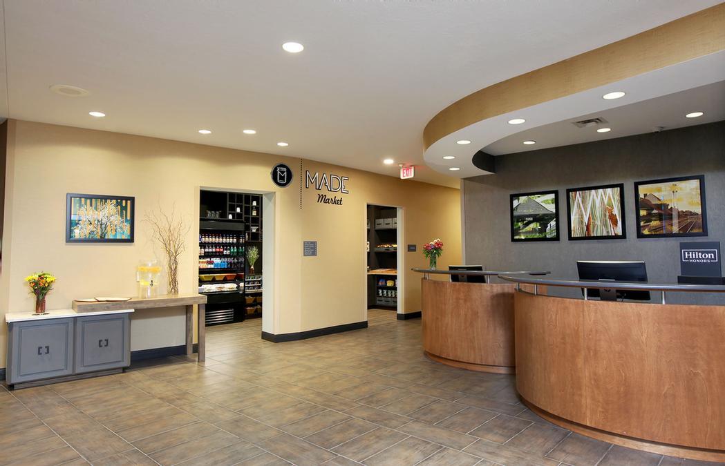 Doubletree By Hilton West Fargo 825 East Beaton Dr ND 58078