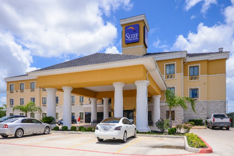 Sleep Inn & Suites Hotel