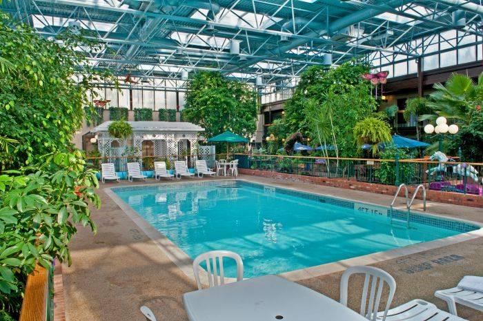 Best Western Plus Cairn Croft Hotel Niagara Falls On 6400 Lundy S Ln L2g1t6