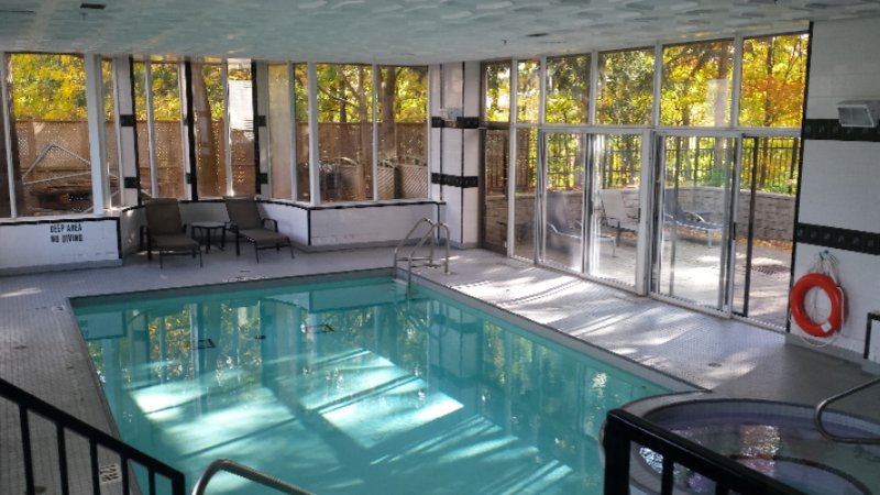 Indoor Heated Salt Water Pool 10 of 12