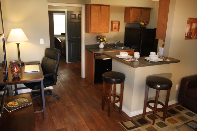 Eagle\'s Den Suites in Three Rivers