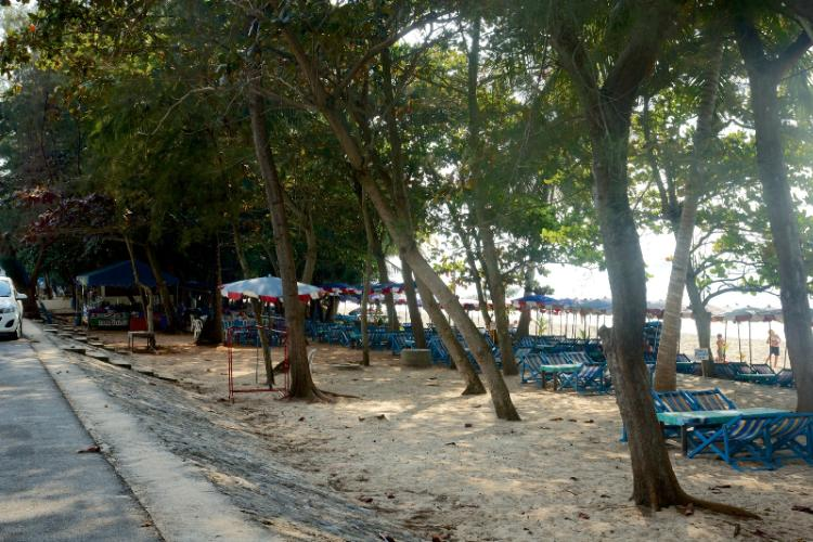 Laem Mae Phim Beach 14 of 16