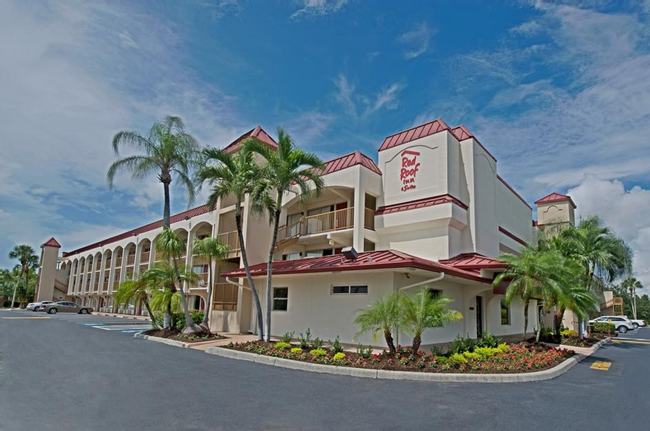 Red Roof Inn & Suites 1 of 3