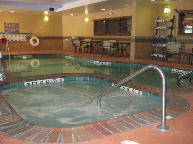 Indoor Pool And Spa 7 of 8