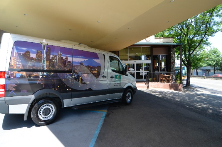 Quality Inn & Suites Shuttle 4 of 29