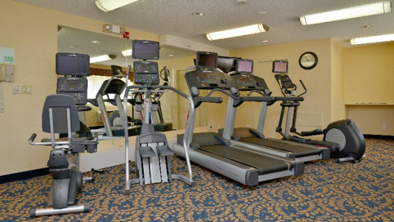 Exercise Room At Holiday Inn Hinton 5 of 14