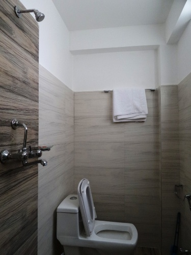 Shower Bathroom-Tranquil Homestay 9 of 16