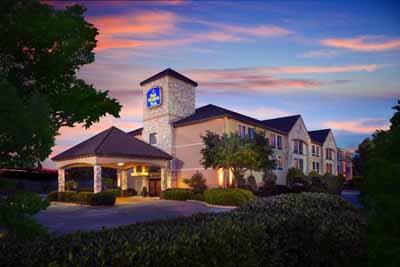 Best Western Plus Lewisville Coppell 1 of 16