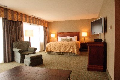 Spacious Guestrooms And Suites 4 of 20