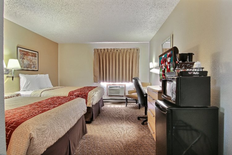 Deluxe Room With 2 Queen Beds Microwave And Refrigerator 6 of 18