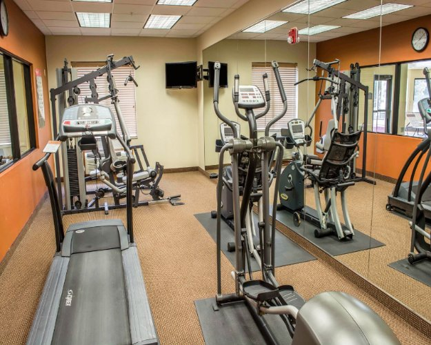 Fitness Center 14 of 16