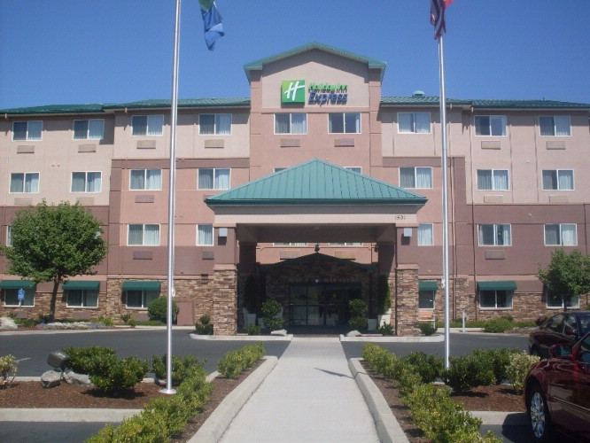 Holiday Inn Express Medford 3 of 3