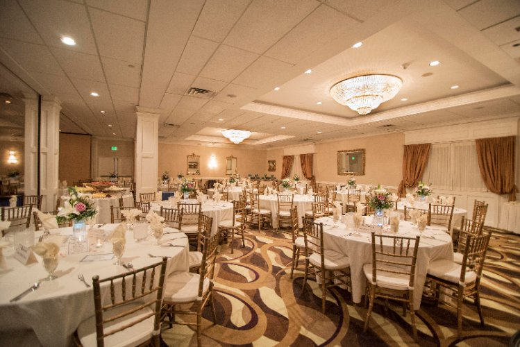 Grand Ballrom With Room For Up To 250 Guests 9 of 11